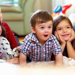 Kinderbetreuung: Steuerfreies Rund-um-Sorglospaket  vom Arbeitgeber sichern!
